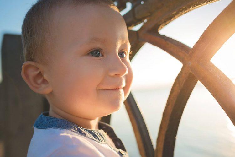 male-szczesliwe-dziecko